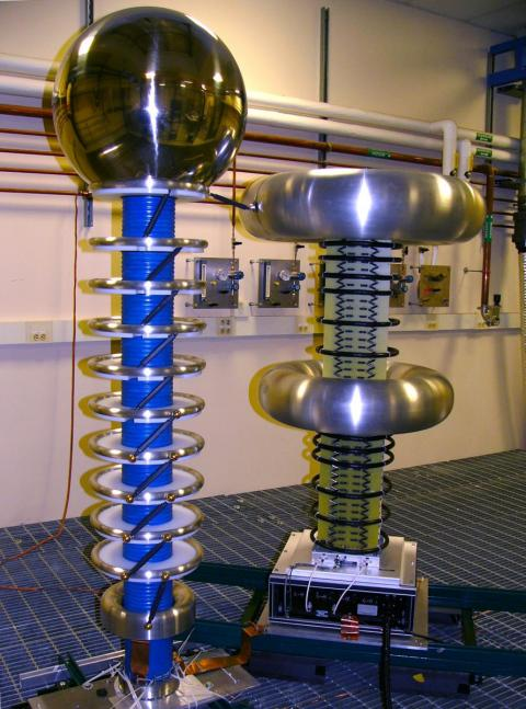 Yale high voltage test apparatus for noble liquid dark matter detectors. Photo by Ethan Bernard.